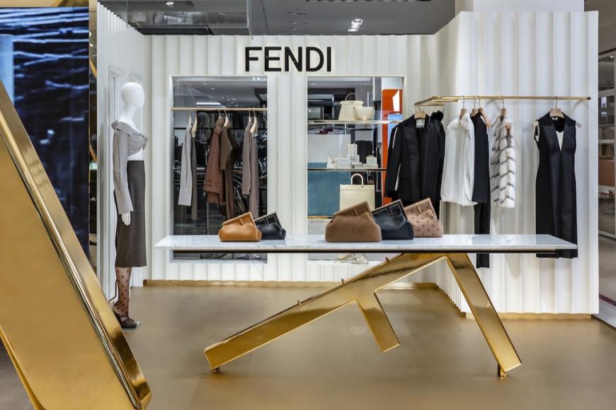 Поп-ап бутик Fendi в ЦУМе
