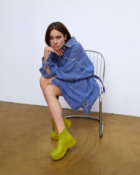 Маша Качарава в рекламной кампании Levi's Red