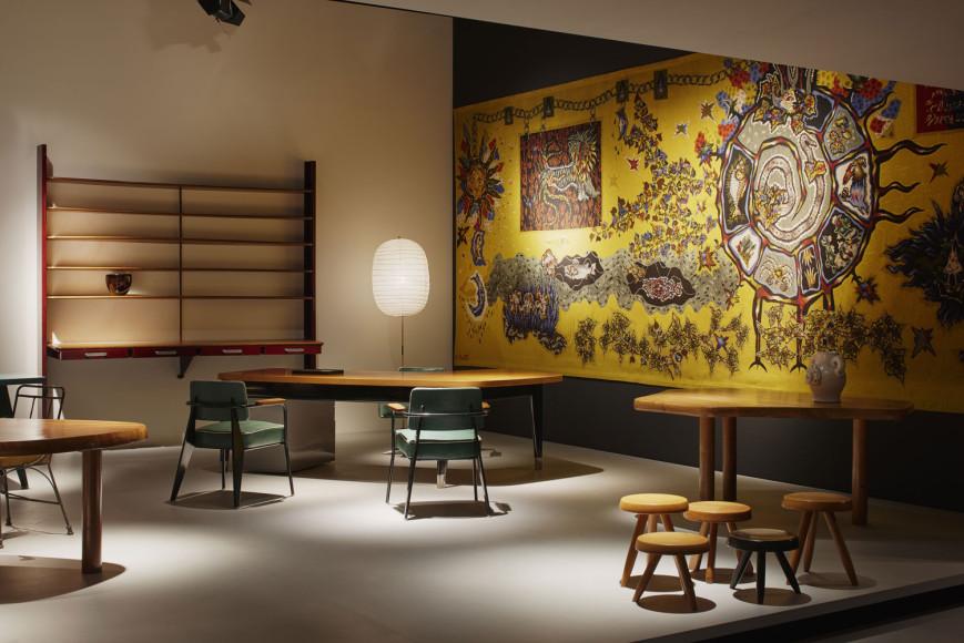 Мебель Жана Пруве иШарлотты Перриан— стенд François Laffanour— Galerie Downtown на ярмарке Design Miami/Basel