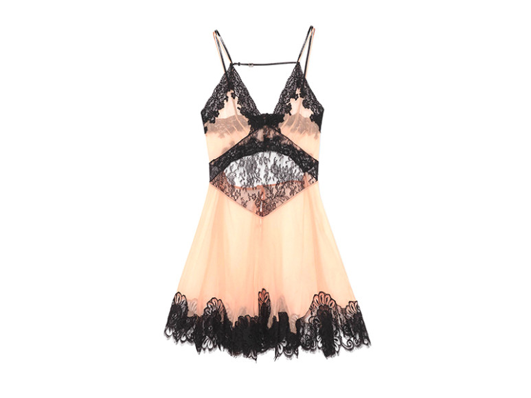 Платье Gucci, 245 000 руб. (gucci.com)