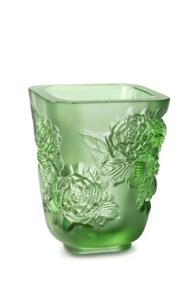 Ваза для цветов «Пионы» зеленая, 105 000 руб., Lalique