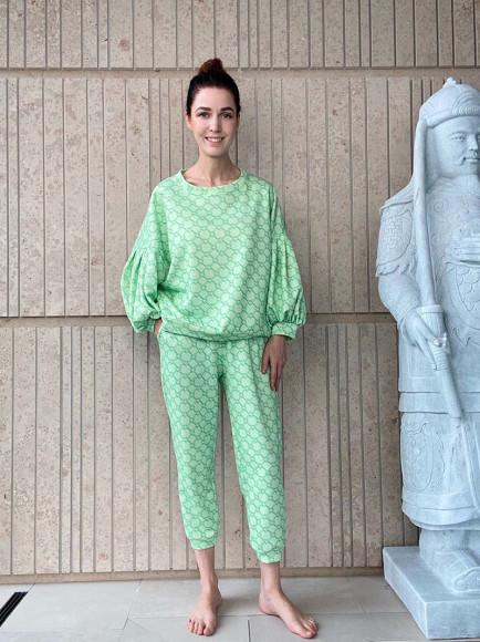 Алена Ахмадуллина в лукбуке новой коллекции домашней одежды