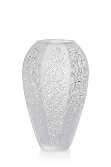 Ваза «Сакура», белый хрусталь, 17,5 см, 61 850 руб., Lalique