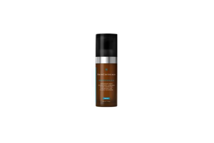 Концентрированный уход антиоксидантого действия для регенерации кожи в ночное время Resveratrol B E, SkinCeuticals создан на основе ресвератрола— это мощный полифенольный антиоксидант, который нейтрализует внутриклеточные повреждения, вызванные свободными радикалами, и устраняет видимые признаки возрастных изменений кожи, помогая поддерживать здоровье клеток. В состав также вошли байкалин, получаемый из корней шлемника байкальского, который уменьшает внутриклеточное воспаление, и витамин Е, оказывающий антиоксидантное и противовоспалительное действие, восстанавливающий защитный барьер кожи