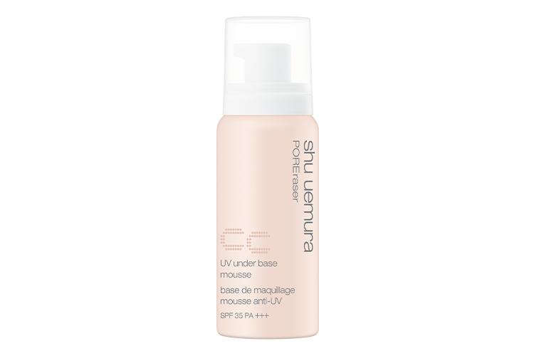 Праймер-мусс для макияжа uvub poreraser cc spf 35, shu uemura с тремя видами пудры (бутонной, пластинчатой и сферической) обеспечивает моментальный визуальный результат гладкой кожи и красивого здорового оттенка лица
