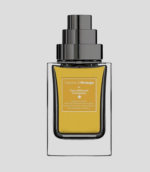 Sienne d'Orange, The Different Company  Аромат из семейств цитрусовых идеально подойдет для утра: яркая смесь из нот кардамона, моркови, итальянского апельсина, кожи и древесины здорово бодрит и наполняет энергией на весь день.