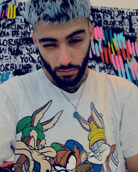 Зейн Малик в футболке с героями Looney Tunes