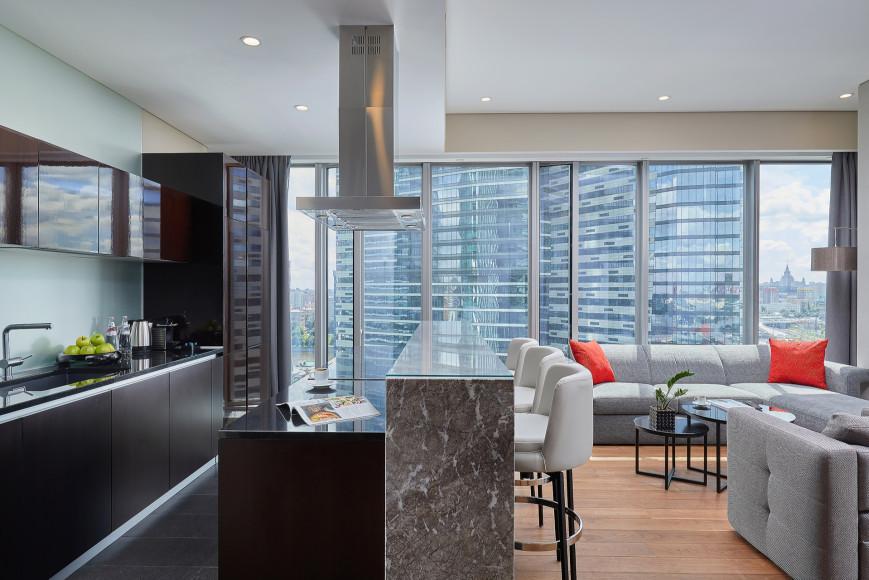 Кухня Corner Grand Apartment