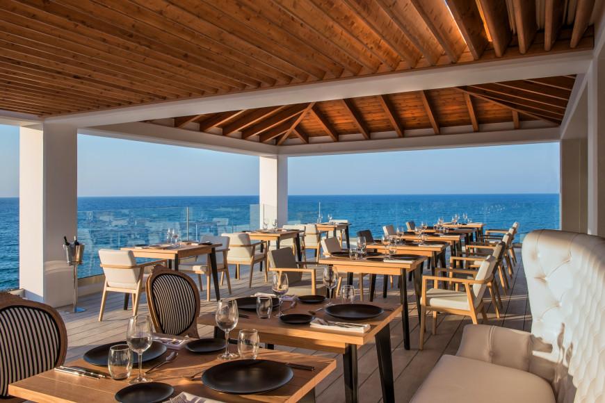 Рестораны Abaton Island Resort & Spa