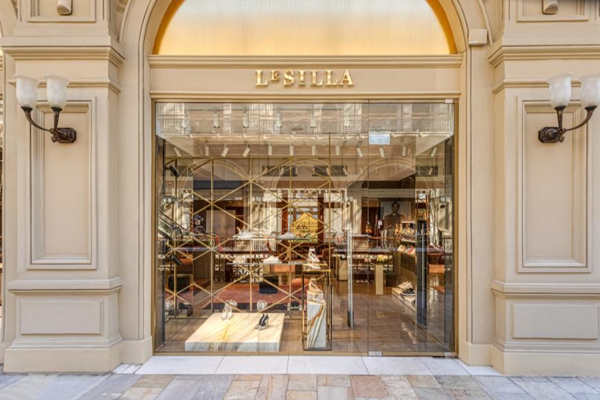 Монобрендовый бутик Le Silla в ГУМе