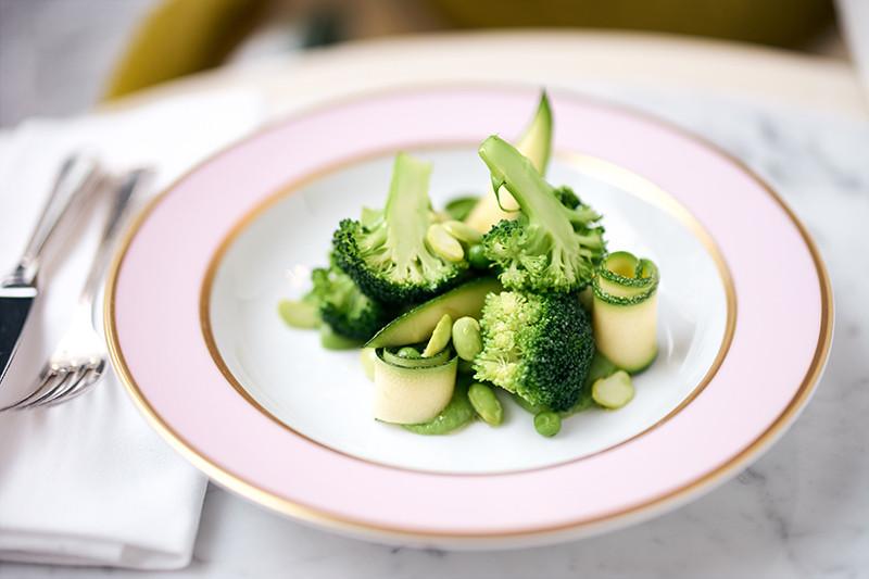 Зеленые отварные овощи