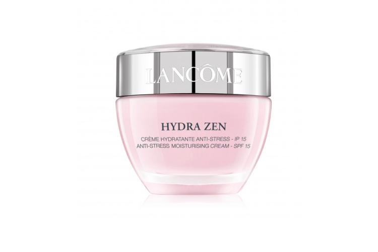 Мгновенно успокаивающий крем Hydra Zen SPF 15, Lancôme успокаивает кожу и поддерживает увлажнение в течение 24 часов. Формула включает микрокапсулы Lipidure, гиалуроновую кислоту и церамиды