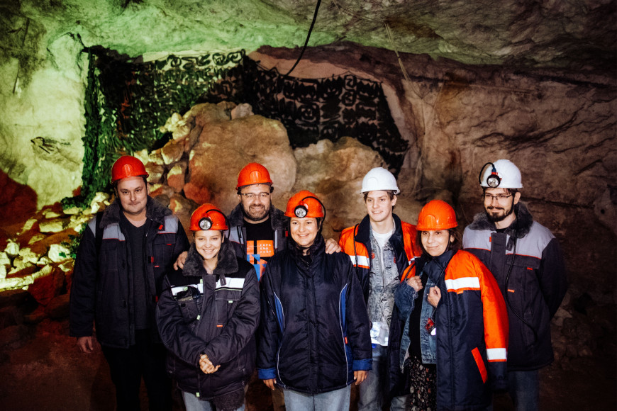Дирекция и жюри фестиваля на показе в гипсовых шахтах