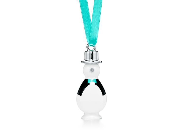 Украшение «Пингвин», Tiffany & Co., 10 800 руб. (tiffany.ru)