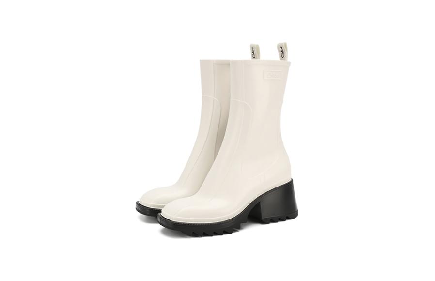 Женские ботинки Chloé, 28 300 руб. (Третьяковский проезд)