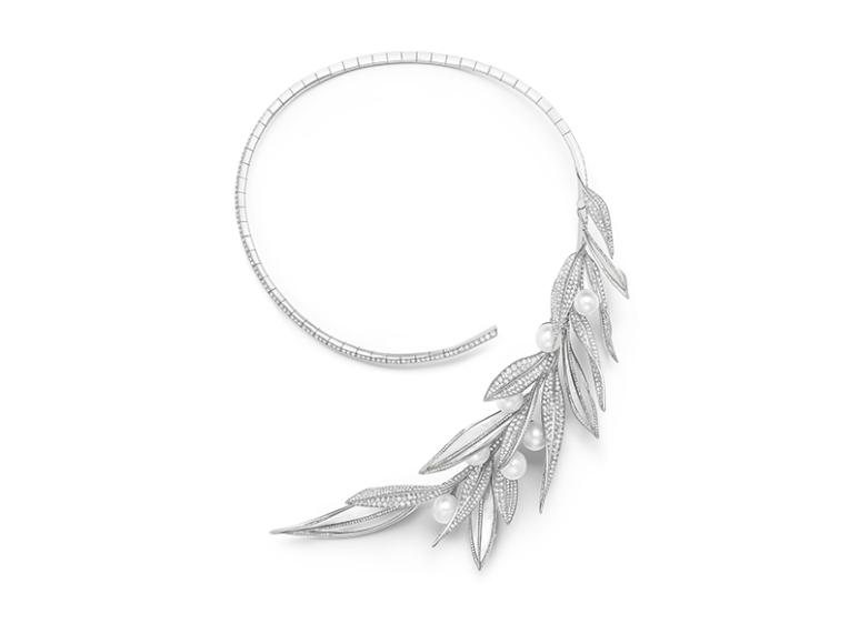 Ожерелье из белого золота с жемчугом и бриллиантами,Feuilles de Laurier