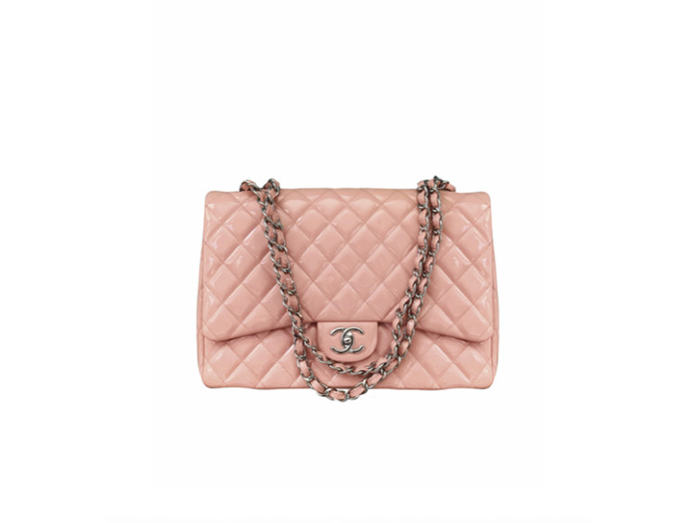 Сумка Chanel, 230 000 руб.