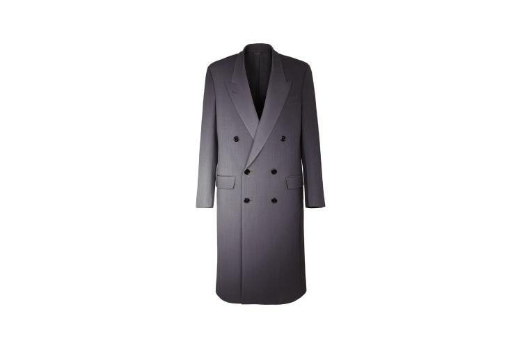 Пальто Fendi, 380 000 руб. (farfetch.com)