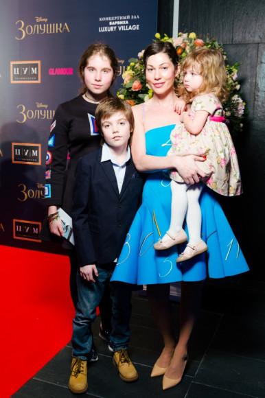Евгения Линович (Masterpiece) с семьей