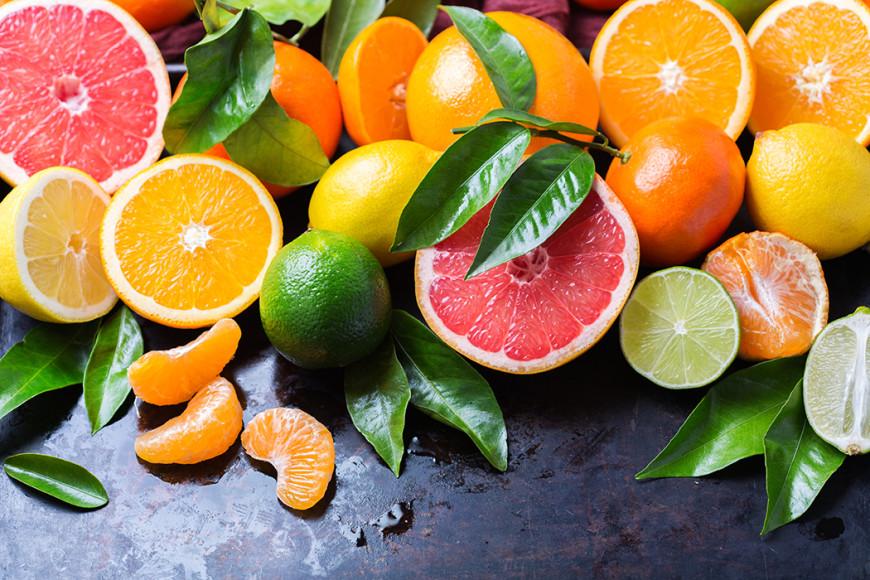 Цитрусовые  Апельсин, лимон, грейпфрут имандарин помогут справиться с простудой, удовлетворят сахарную тягу и преобразят кожу.