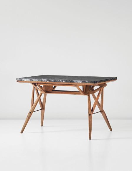 Карло Молино, стол для Королевского общества страховой взаимопомощи, 1946-1948.Эстимейт $180–220 тыс., продан за $470,500