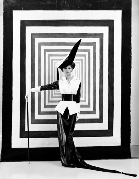Одри Хепберн на съемках фильма «Моя прекрасная леди» в костюме по дизайну Сесила Битона, 1963 год