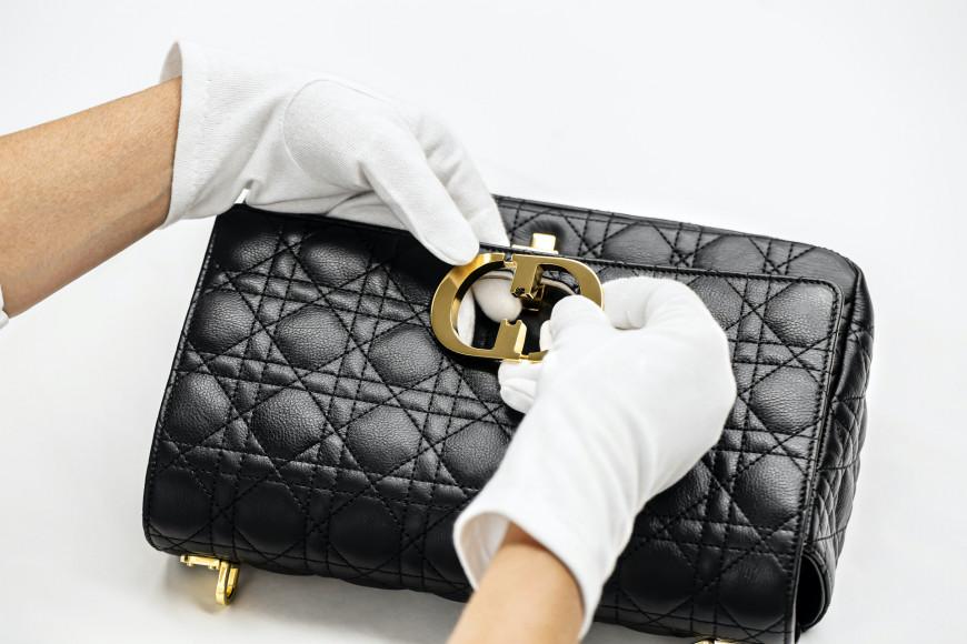 Процесс создания сумки Caro bag, Dior