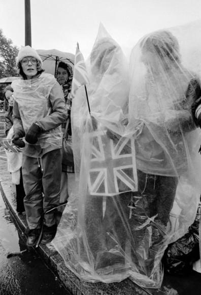 Выставка «Here We Are» Peter Marlow. Queen Elizabeth II's Silver Jubilee, London 1977