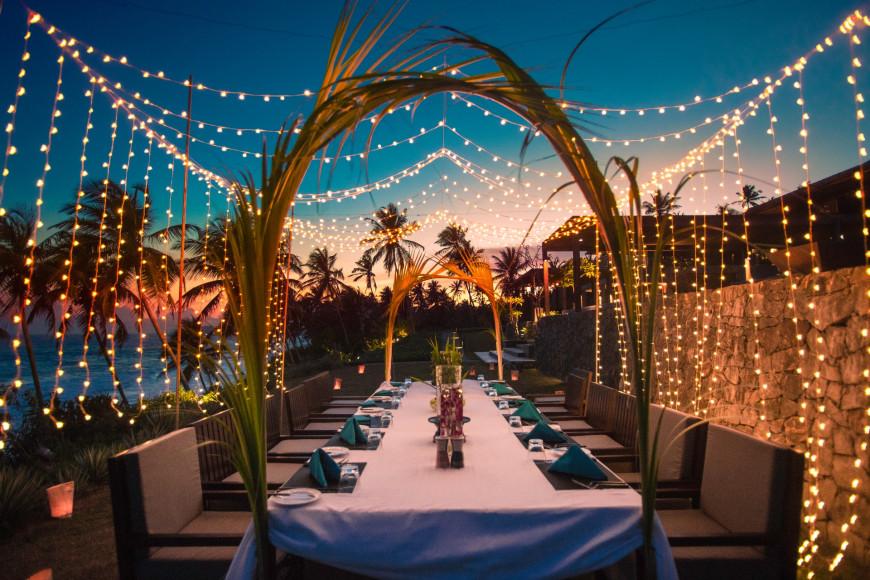 Вечерний ужин на берегу(ANI Private Resorts Sri Lanka)