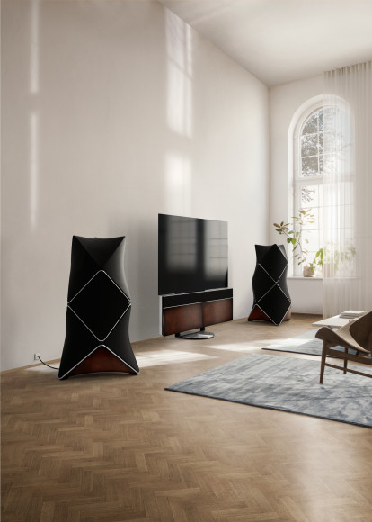 Колонки Beolab 90 и телевизор Beovision Harmony Berluti Edition, Bang & Olufsen