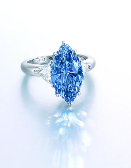 Кольцо Moussaieff c голубым бриллиантомвесом 4,29 карата