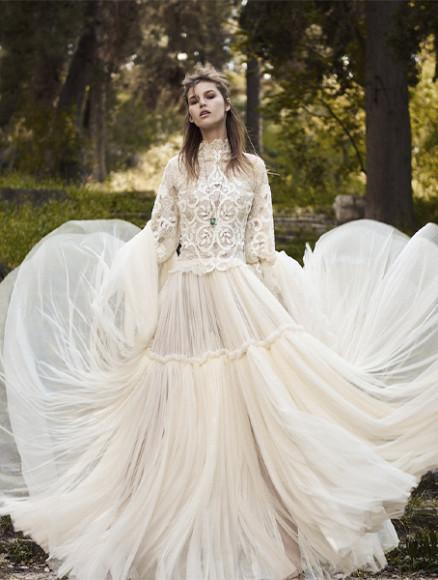 Платье Christos Costarellos, 474 600 руб. (BoscoCeremony)