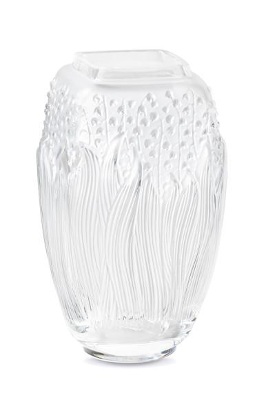 Ваза «Ландыши», хрусталь, 29см, от 287 000 руб., Lalique