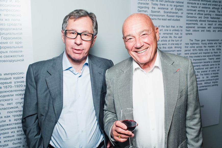 Председатель совета директоров Альфа-банка Петр Авен и телеведущий Владимир Познер