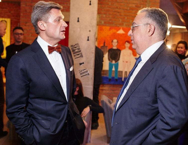 Сергей Мдоянц вице-президент АФК Система с другом