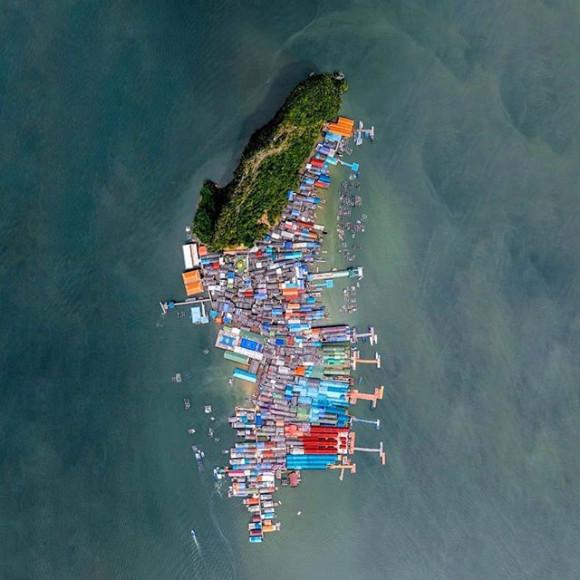 Вид надеревню морских цыган Ляо