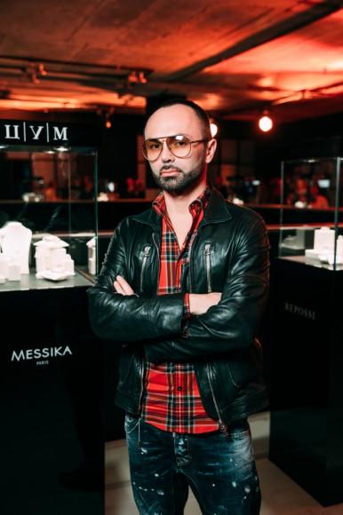 Макс Гор, стилист