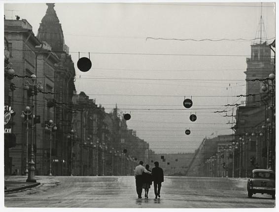 Всеволод Тарасевич. Без названия. Из серии «Невский проспект». Ленинград, 1965