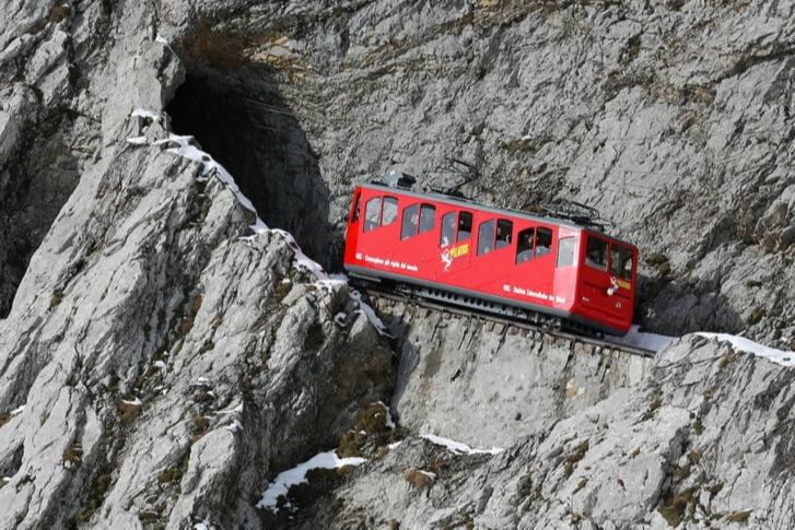 Железная дорога на гореПилатус