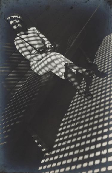 Александр Родченко. «Девушка с лейкой», 1934