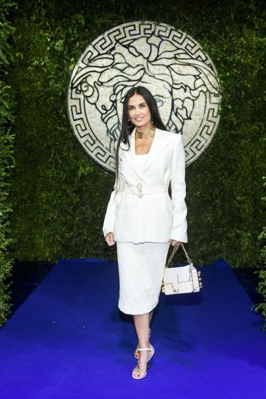 Дэми Мурна показе совместной коллекции Fendi и Versace