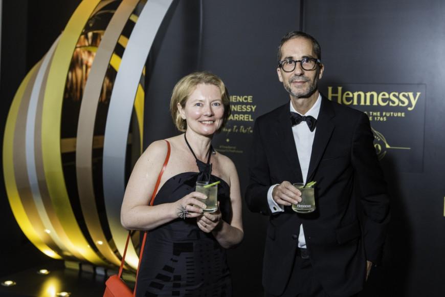 Ольга Киселева (Art&Science, Sorbonne)  и Эрве Микаэлов  (Куратор выставки Hennessy)
