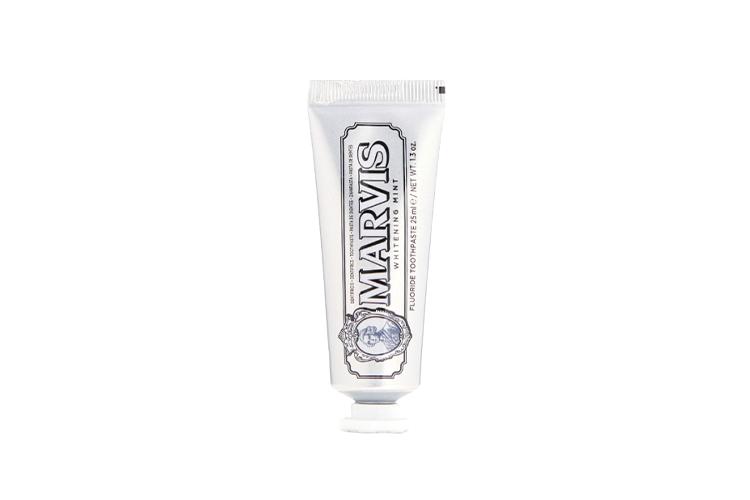 Зубная паста Witening mint, Marvis в мини-формате обладает насыщенным мятным вкусом