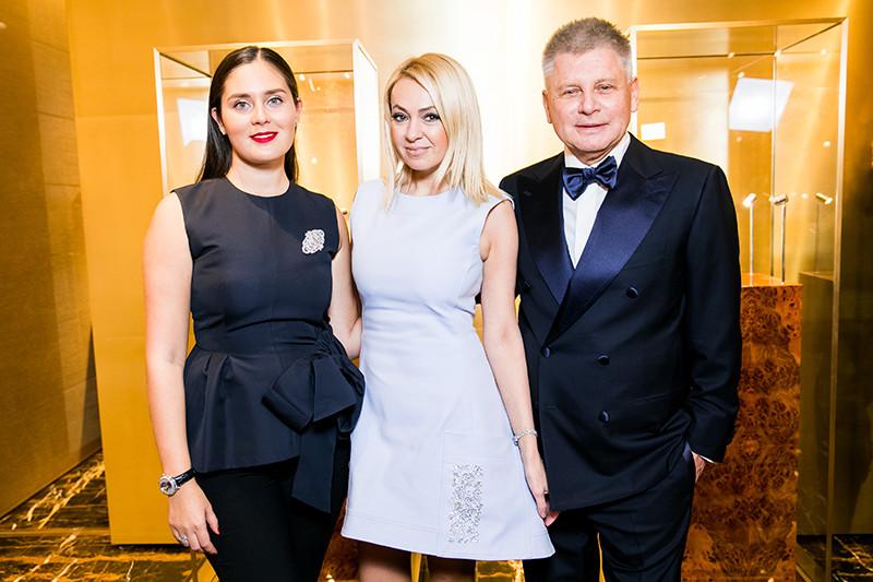 Наталия Бондаренко, Яна Рудковская и Виктор Бондаренко