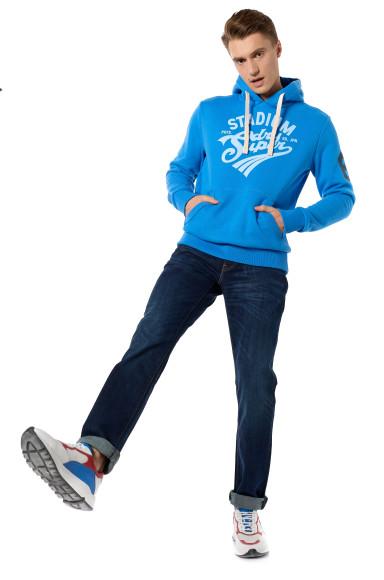 Толстовка, Superdry; джинсы, Levi's