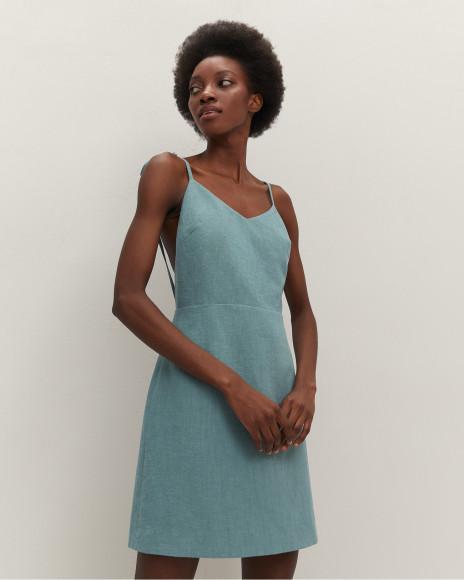 Льняное платье с открытой спиной, 6980 руб.