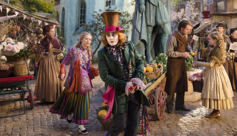 Кадр из фильма «Алиса в Зазеркалье»