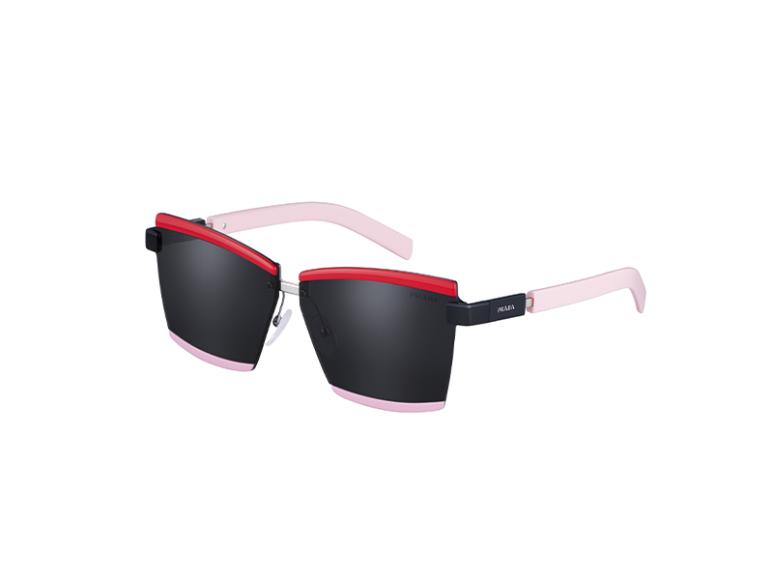 Солнцезащитные очки Prada, 28 000руб. (ЦУМ)