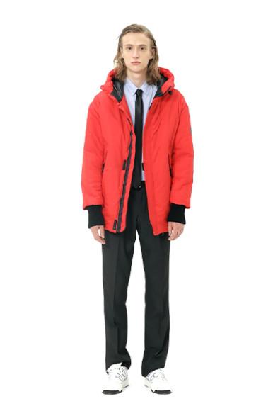 Куртка Novaya, 13 300 руб. с учетом скидки (novayawear.com)