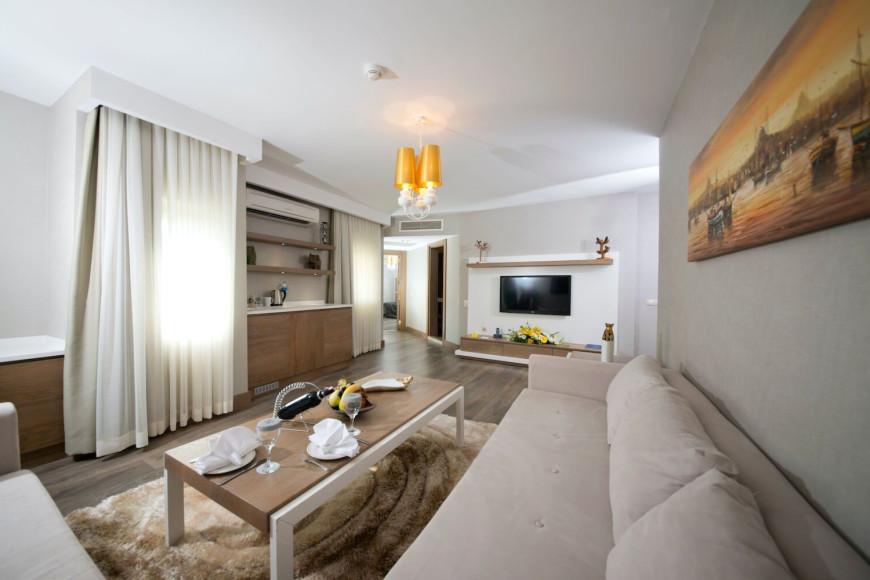 Джакузи съютв отеле Limak Arcadia Sport Resort Hotel (Limak Arcadia)